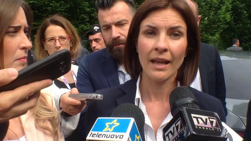 """ALESSANDRA MORETTI """"ZAIA SFUGGE AL CONFRONTO"""""""