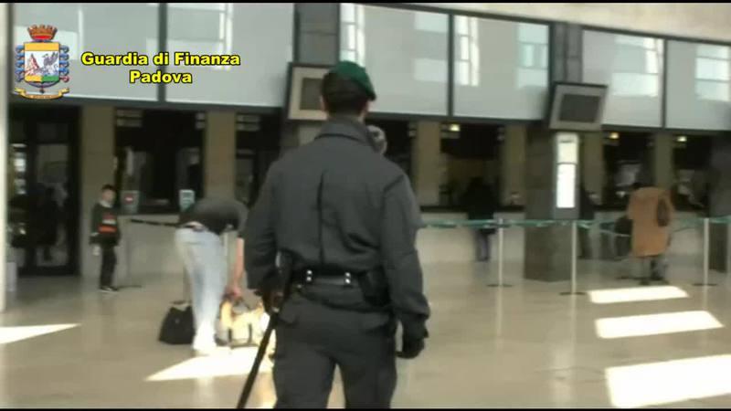 CORRIERE DELLA DROGA ARRESTATO IN STAZIONE A PADOVA