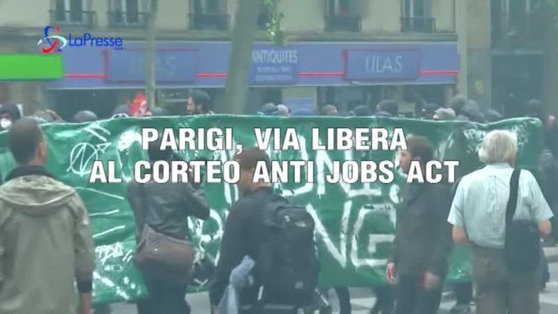 CORTEO ANTI JOBS ACT IN FRANCIA
