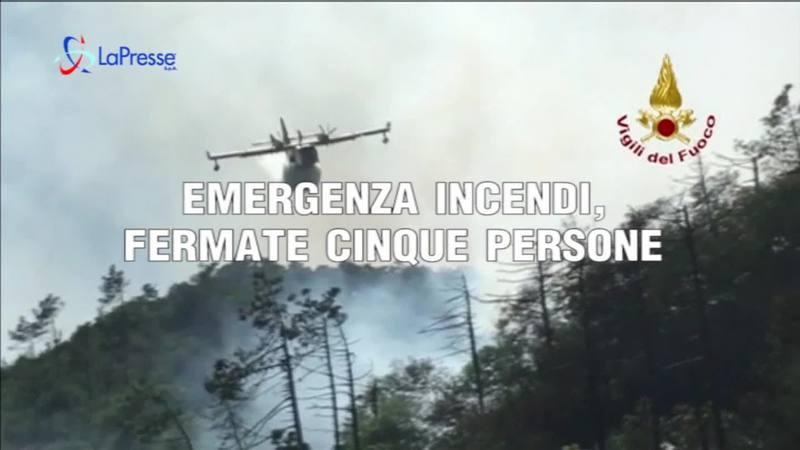 EMERGENZA INCENDI, FERMATE CINQUE PERSONE