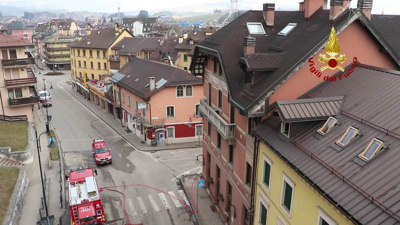 INCENDIO AD ASIAGO, IL VIDEO DALL'ALTO