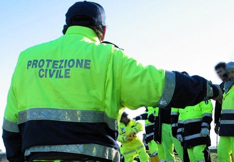 PROTEZIONE CIVILE IN AUTO CON GLI ALTOPARLANTI