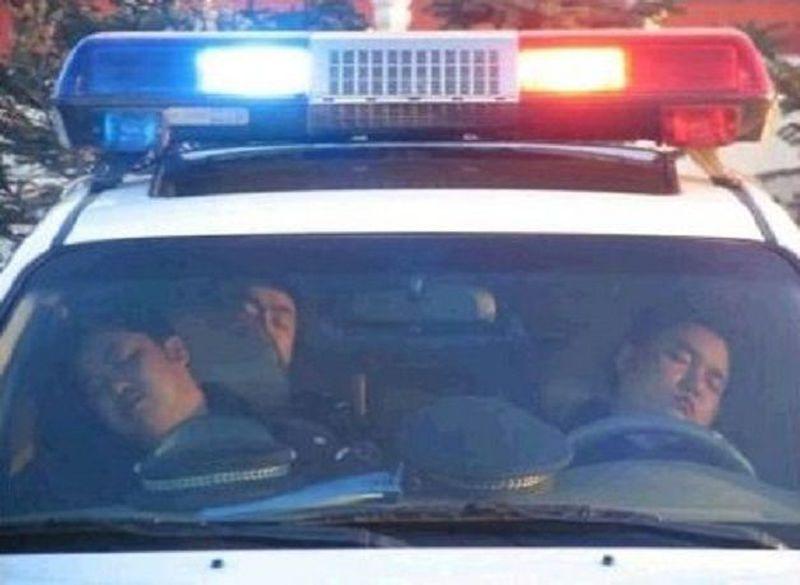 ROVIGO, CONDANNATI 22 POLIZIOTTI; DORMIVANO IN SERVIZIO
