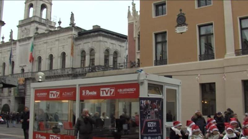 SI E' ACCESO LO STUDIO DI CRISTALLO DI TV7