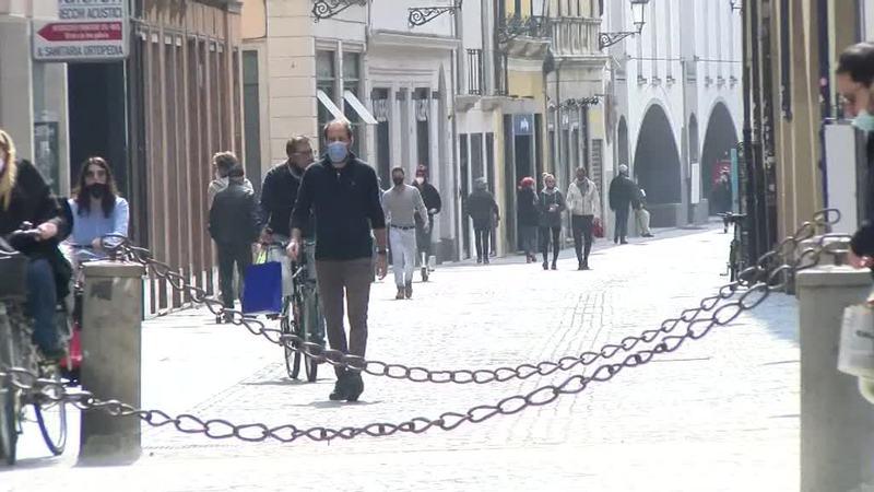ITALIA CHIUSA FINO A MAGGIO PER STRONCARE IL VIRUS