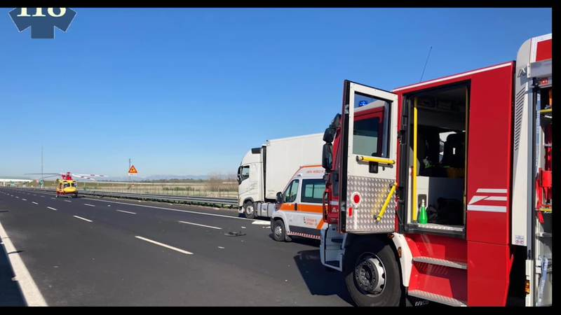 INCIDENTE STRADALE IN A4: SCONTRO TRA DUE CAMION