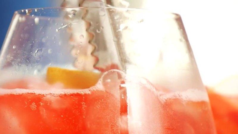 spritz-time-cosi-cambia-il-rito-dell-aperitivo