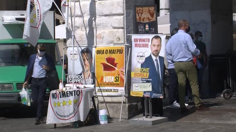 Toninelli a Padova per i Cinque Stelle e per il Sì