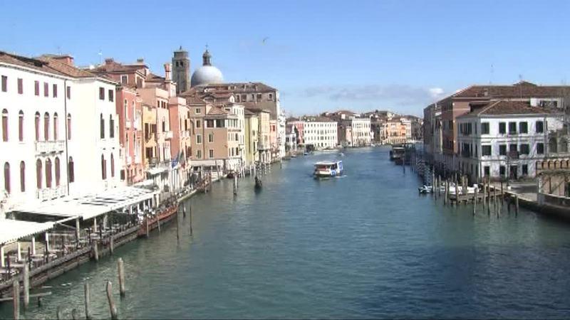 Venezia incorona Brugnaro, in due al ballottaggio
