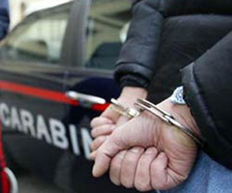 DROGA:BLITZ CC IN CASA MAROCCHINI, UN ARRESTO E UNA DENUNCIA