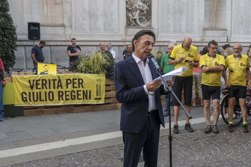 in-bici-per-giulio-regeni-tappa-a-palazzo-moroni