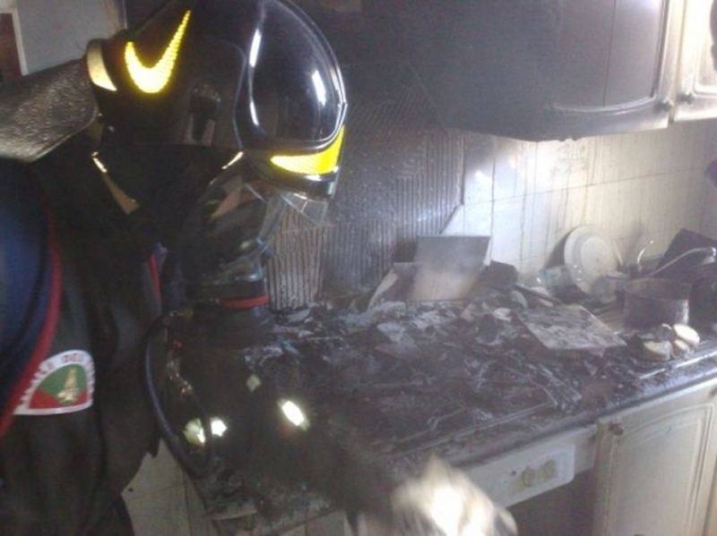 incendi-in-fiamme-una-cucina-nel-trevigiano-due-feriti