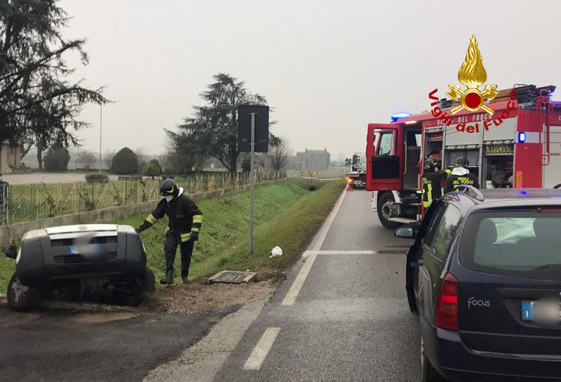 incidente-tra-due-auto-a-montagnana-tre-feriti