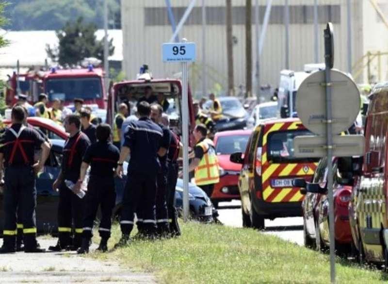 LA FRANCIA NUOVAMENTE SOTTO ATTACCO TERRORISTICO