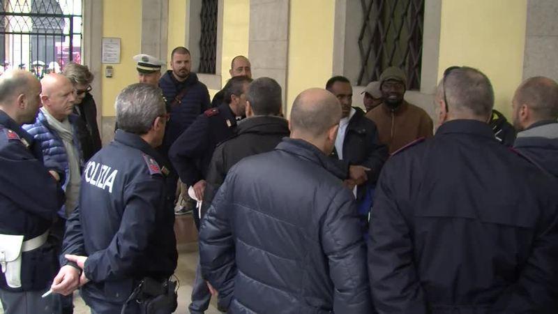 LIBERATA CASA DON GALLO: PROTESTA DEI PROFUGNI