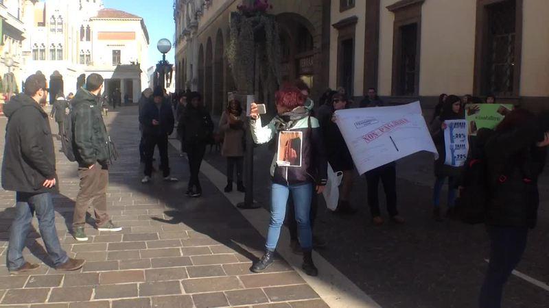 UNIVERSITÀ TROPPO CARA, LA PROTESTA DEGLI STUDENTI