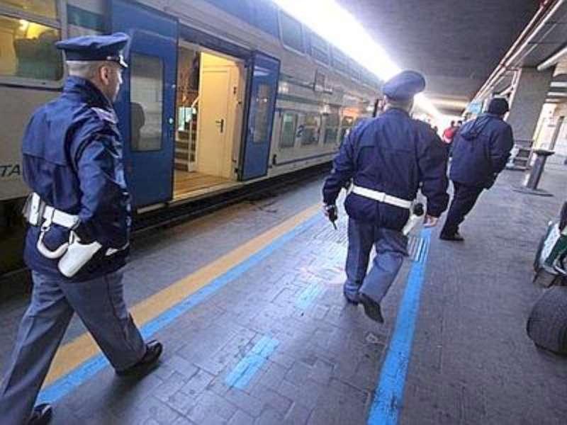 CRIMINALITA': RAZZIE IN STAZIONI E APPARTAMENTI, 5 ARRESTATI