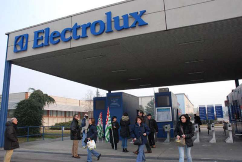 ELECTROLUX: SINDACATI, NO A LICENZIAMENTI MASCHERATI