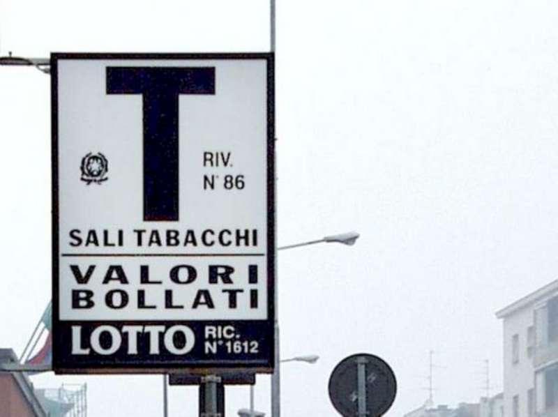 FURTI IN TABACCHERIE NEL NORD ITALIA, 7 ARRESTI