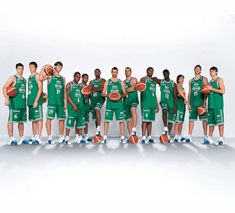 la-famiglia-benetton-lascia-basket-e-volley-dal-giugno-2012