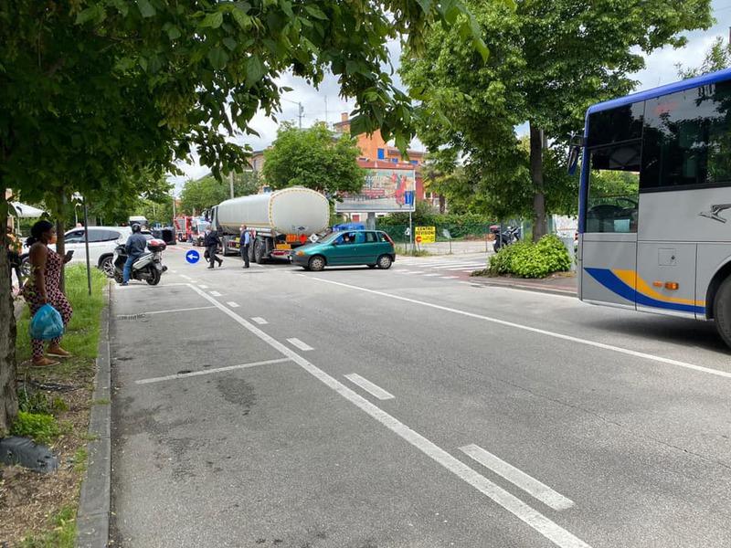incidente-in-via-facciolati-traffico-in-tilt