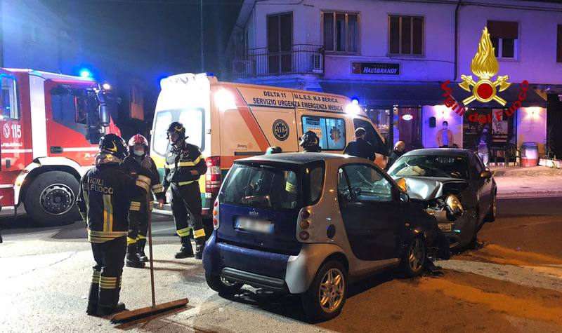 INCIDENTE TRA DUE AUTO A CREAZZO, DONNA FERITA