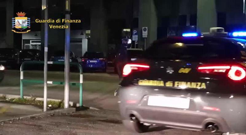 22 CHILI DI COCAINA NELL'AUTO: FRANCESE ARRESTATO